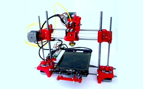 Here's a basic reality about consumer 3D printing right now: It's still too expensive.  Consider the recently launched Replicator 2, a well-designed device with an eye-popping $200o price tag. If there's a reason why consumer 3D printing hasn't exploded yet, price is certainly it.  Here, then, is a solution: The Portabee, a $500 3D printer that aims to go where no other 3D printer has gone before: The realm of affordability.