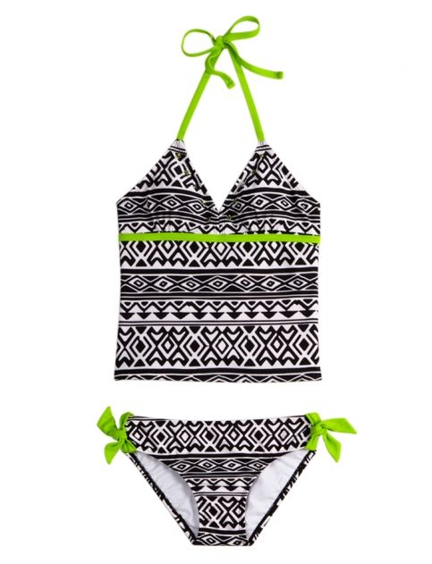 love the black and white pattern with the green!!!