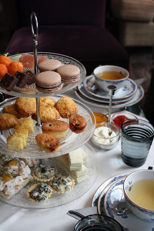 To enter into the 19th century spirit, Salutorget's afternoon tea combines the old English heritage with the finest tastes from Finland.