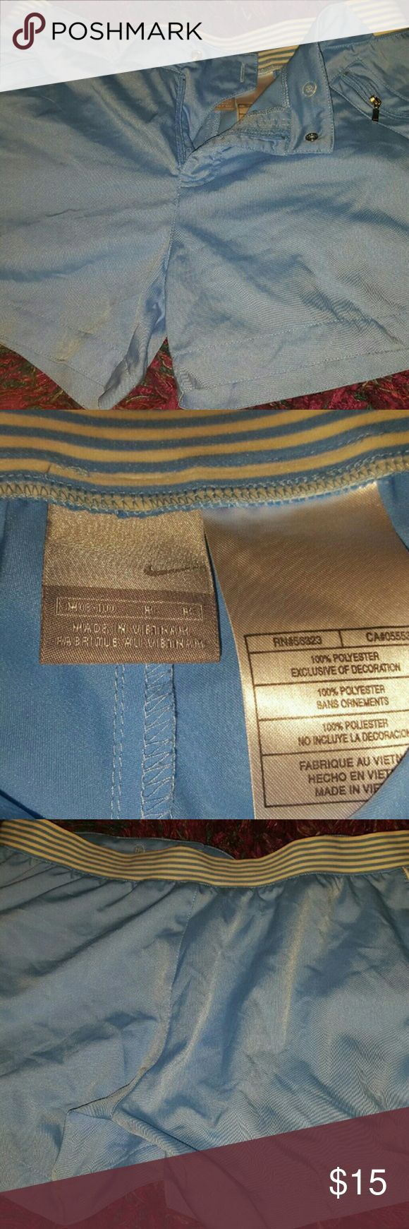Damen, Nike, Shorts, Größe M ** Akzeptiert angemessene Angebote ** Damen, Nike, …   – Shorts Outfit