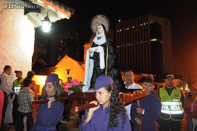 Decenas de peregrinos acudieron a las iglesias de Cali a conmemorar el Jueves Santo. En la iglesia La Merced, en el centro de la ciudad, se realizó una procesión con niños y jóvenes.