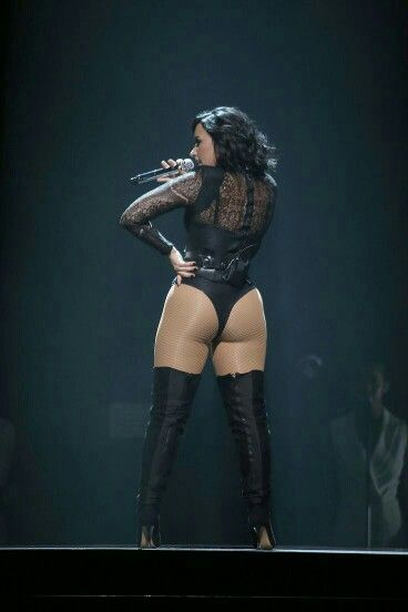 Wow., Never had really paid attention, but demi has a Phat Azz.