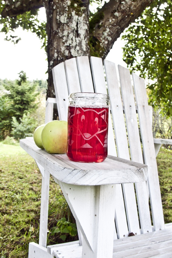 Nappe on 100 % suomalaista käsityötä ja kierrätysmateriaalia.