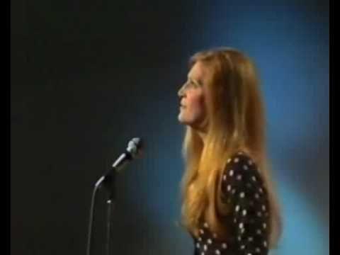 Dalida live Samedi Varietes1972 suisse split1.flv