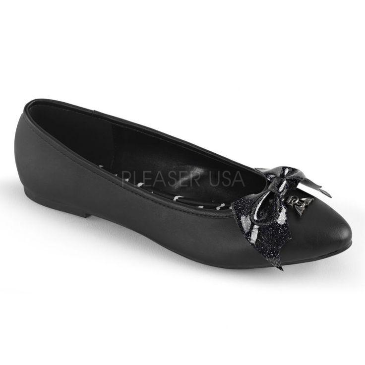 http://www.lenceriamericana.com/calzado-sexy-de-plataforma/39725-zapatos-bajos-bailarinas-demonia-en-cuero-vegano-con-lazo-y-murcielago.html