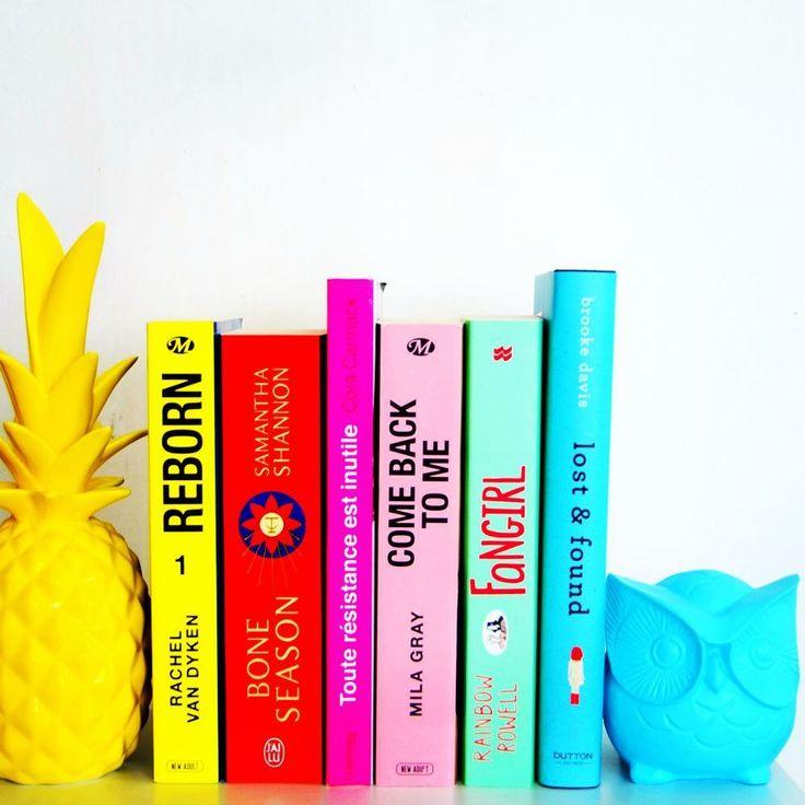 Petit #smoochallenge coloré pour lutter contre la grisaille matinale 😁 bon d'accord, techniquement ce n'est pas une pile de livres, mais pour que ce soit le cas, il suffit de pencher la tête 😂 ....................💕...................... #book #books #instabook #bookstagram #bookstagrammer #booksofinstagram #bookslover #booksarelife #booksarelife #bookishlove #bookishfeatures #bookphotography #bookaddict #bookhoarder #bookholic #lire #livre #livres #instalivre #livrestagram #livraddict…