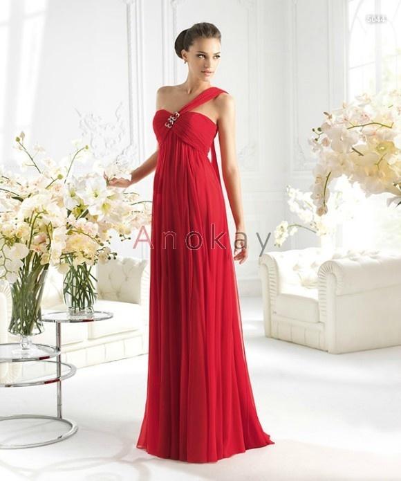 die besten 17 ideen zu rote abendkleider auf pinterest lange rote kleider. Black Bedroom Furniture Sets. Home Design Ideas