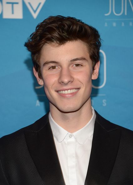 Shawn Mendes Updates — APRIL 02: Shawn Mendes arrives at the 2017 Juno...