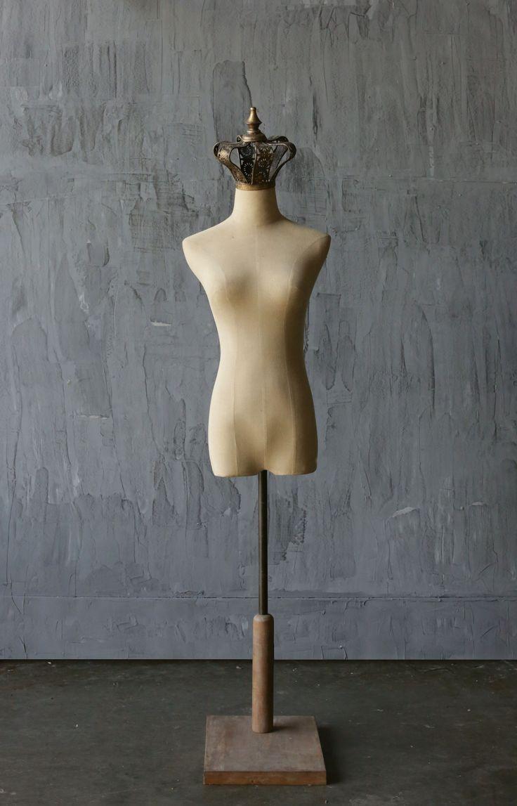 Aurelia Plastic & Metal Mannequin with Crown