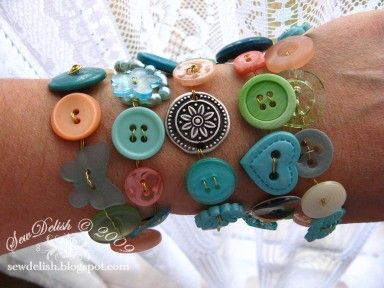 Button Crafting - Is it a Necklace, a Belt or a Bracelet?