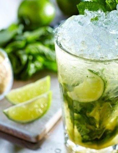 1. Agua de pepino con limón
