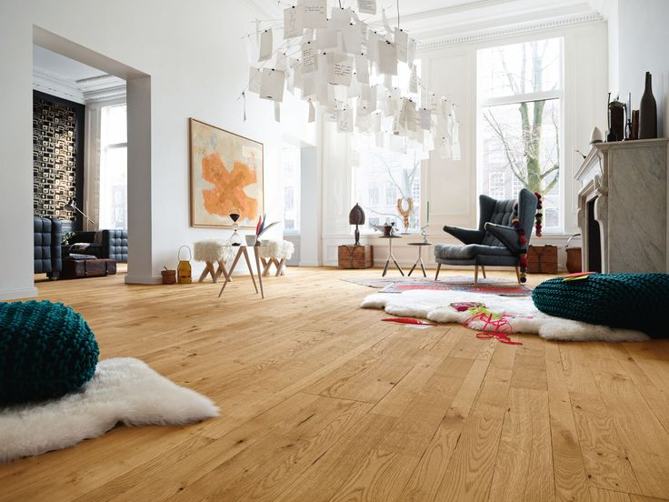 Parkett Style | PC 400 | Eiche country 8263 | geplankt, gebürstet | naturgeölt – Boden Stadtwohnung Lammfell Wohnzimmer Mobile Sessel – Parquet Style | PC 400 | Oak country 8263 | planked, brushed | naturally oiled