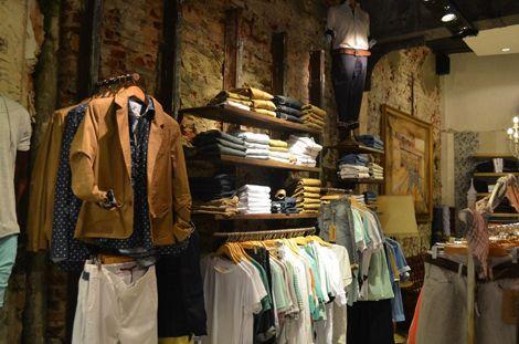 Una espectacular tienda de ropa en Buenos Aires llena de ...