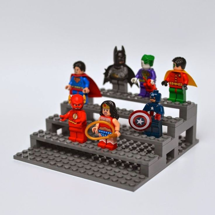 DIY display platform for Lego Minifigures - storage and display at the same time! /// Tribüne für Lego Minifigures.