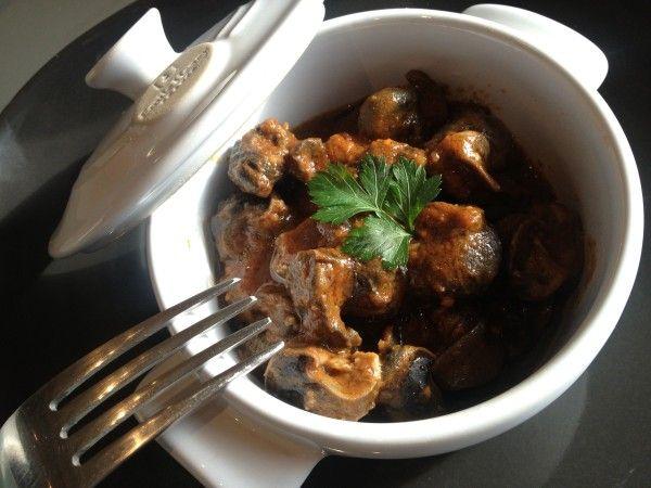 Cassolettes d'escargots à la Provençale mijotés avec du coulis de tomate et des herbes aromatiques, pour changer un peu ! @sabarotwassner