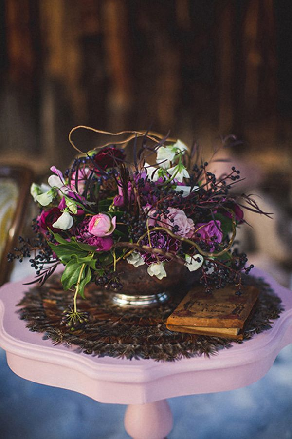 Feather and Wood Wedding Inspiration