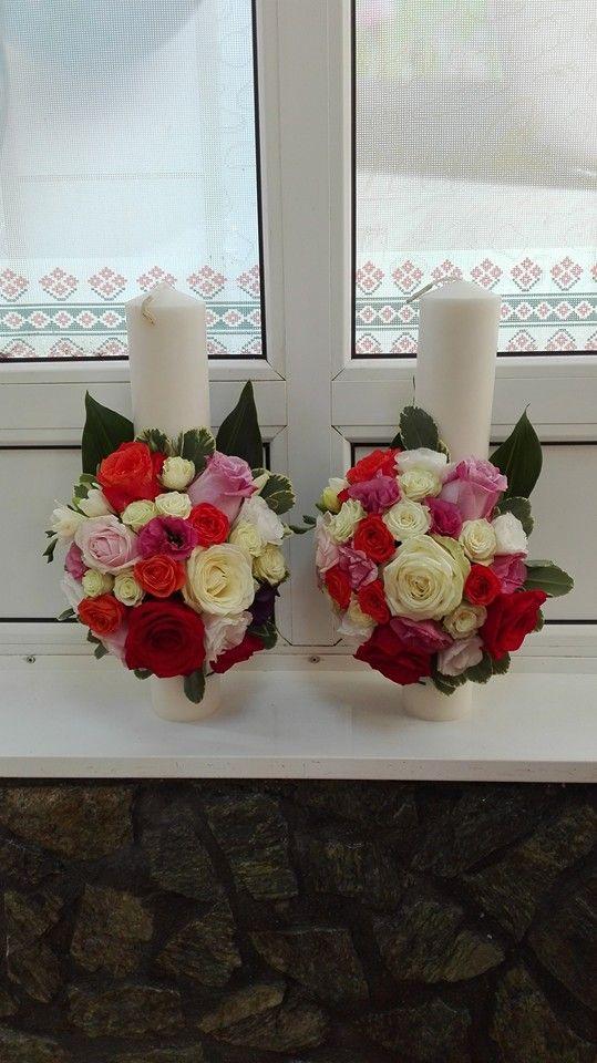 Trandafiri rosii, albi , roz, miniroze portocali si albe, frezie alba si lisianthus roz