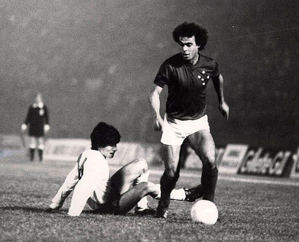 Joãozinho contra River Plate - Libertadores 1976