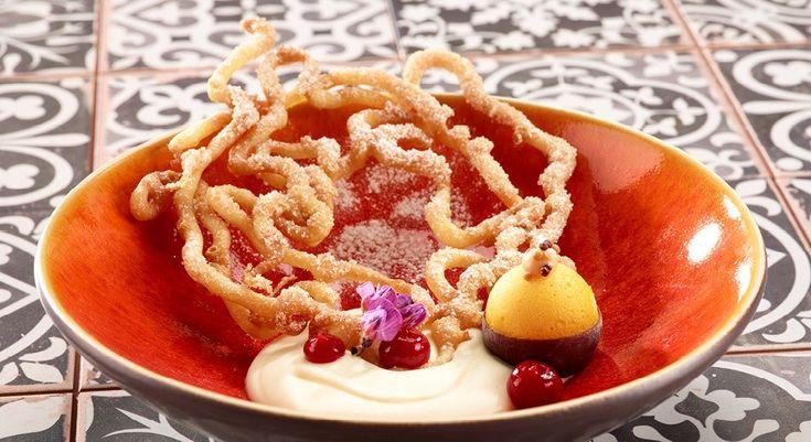 Rolf Mürner ist als Patisserie-Weltmeister einer der Fachleute in diesem Gebiet in der Schweiz. Mit seinem neuen Dessertbuch «einfach Mürner» setzt er mal wieder Trends für den süssen Abschluss des Essens.