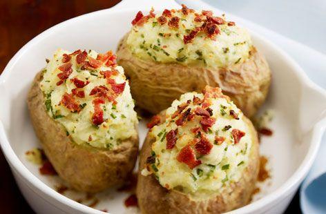Ιδανική πρόταση για ένα διαφορετικό ψήσιμο της πατάτας.Μια συνταγή που μπορεί άνετα να είναι ένα βασικό ορεκτικό αλλά και ένα καλό γαρνίρισμα, γρήγορο και