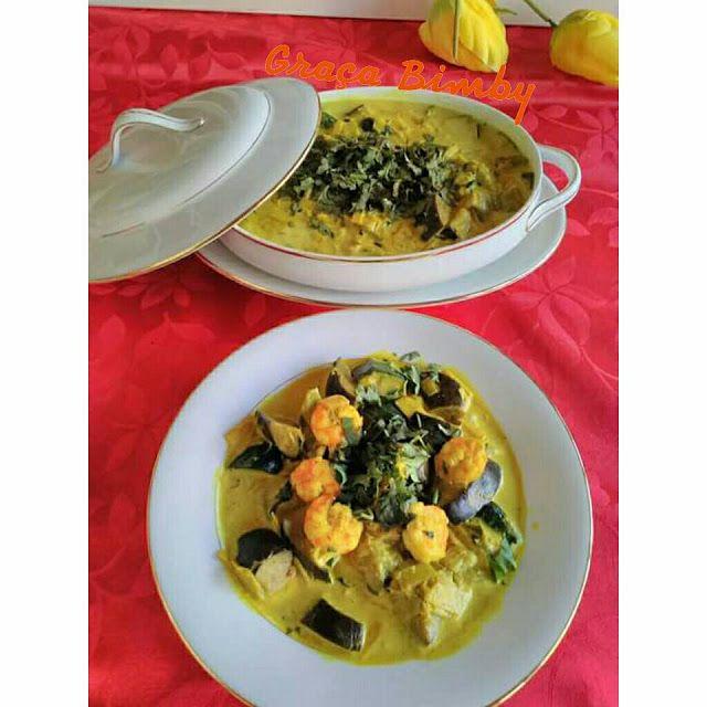 .: Caril de legumes e camarão.