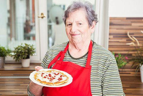 Křupavé langoše se sýrem a kečupem jsou nejlepší ty od babičky