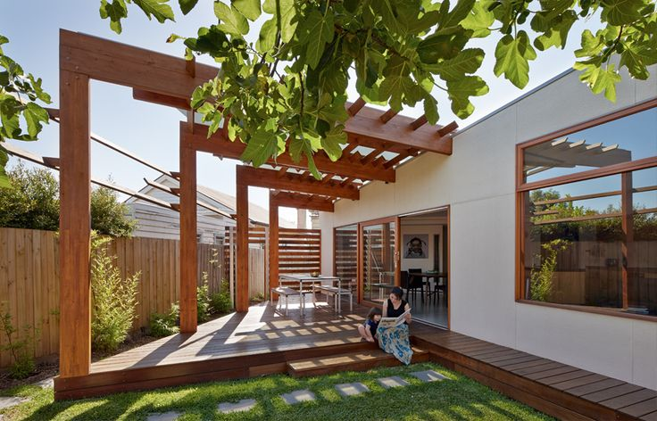 Extension to weatherboard house in Victoria, Aus by Windust Architects