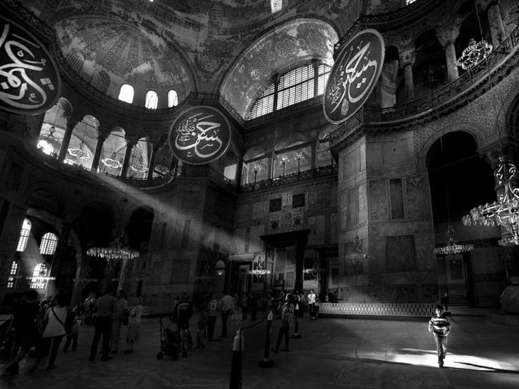 hagia-sophia-istanbul_ http://4giul.wordpress.com/2013/06/03/photo-hagia-sophia-istanbul/