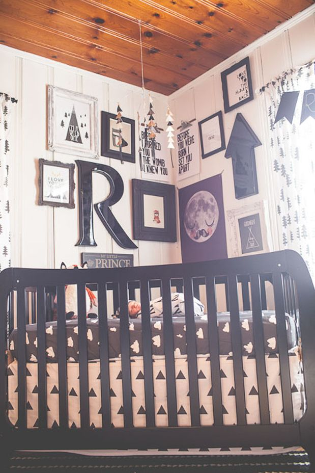 Modern black and white nursery. Woodland elements. Photography by Sarah Libby. | Grey Likes Baby