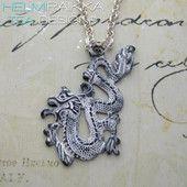 Valkoinen lohikäärme 20€ #dragon #whitedragon #lohikäärme #lohikäärmekaulakoru