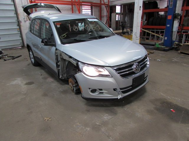 Parting out 2010 Volkswagen Tiguan – Stock # 160009 « Tom's Foreign Auto Parts – Quality Used Auto Parts - Every part on this car is for sale! Click the pic to shop, leave us a comment or give us a call at 800-973-5506!