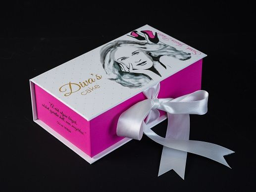 Sarah Jessica box  http://divascake.hu/sarah-jessica-box/