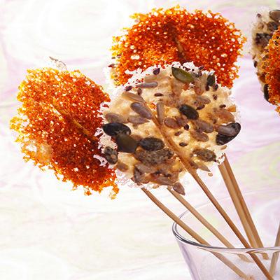 Lollipop al Grana Padano, paprika e semi di zucca