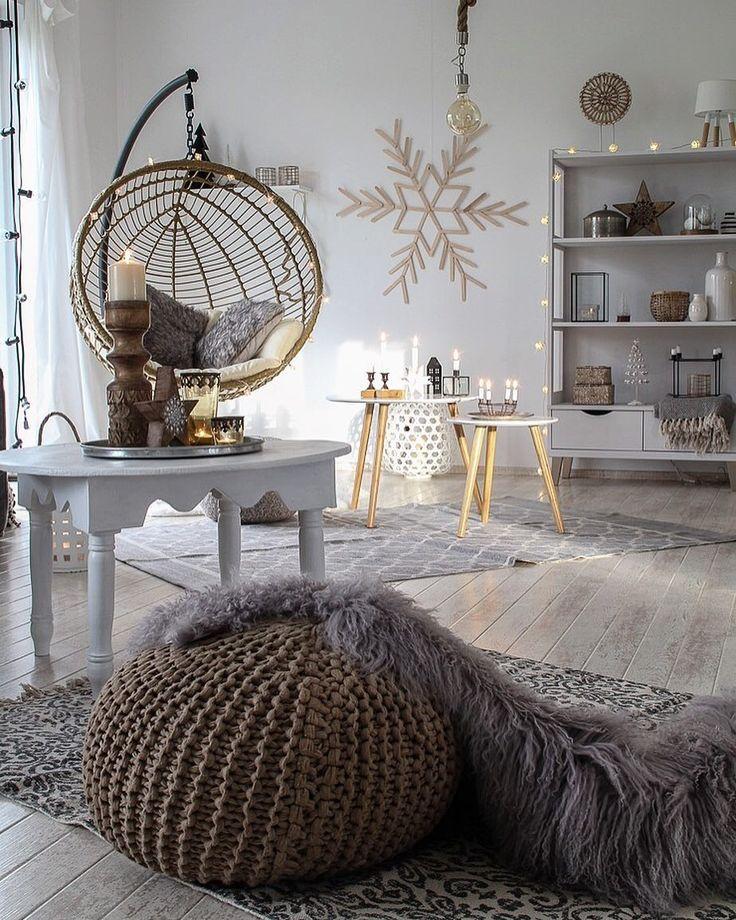 The dark livingroom this afternoon ( it has windows to the north side)... but the sun came through the dining room window... a magic moment! Enjoy your evening!   Das dunkle Wohnzimmer (es hat nur Fenster nach Norden)... aber die Sonne schien durch's Esszimmerfenster... ein magischer Moment! Genießt euren Abend! . . . . . #lady_stil  #nordikspace #scandiboho #hyggeliving #bohointerior  #hangingchair #lightacandle #germaninteriorbloggers #immyandindi #boholiving #interior4all_mostliked…