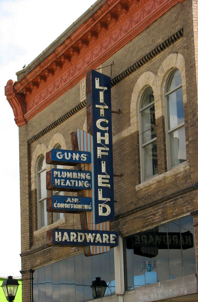 https://flic.kr/p/82CBPm | Litchfield Hardware sign | Located in Rantoul, Illinois