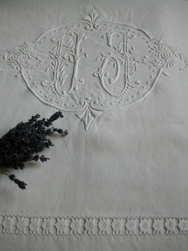 La Pouyette....: Monogrammed French Linen Drap's. I do love whitework, although I'm not sure I have the eyesight for it.
