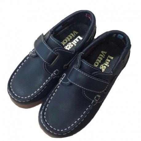 f48c503de El clásico zapato para niño tipo náutico no puede faltar en el armario  infantil. Porque