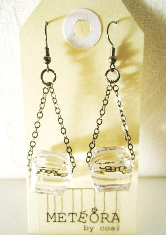 Crystal Cube Earrings by meteorabycosi on Etsy, $10.00