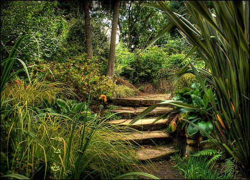 Hidden Gardens and Grottoes of Dewstow .  Flickr - Terry Winter
