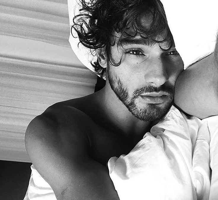 Aw, I can easily see Cecil rushing home for a nap next to this Carlos. - Marlon Teixeira