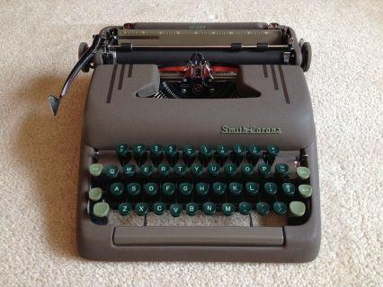 Portable Typewriters For Sale - Typewriters 101