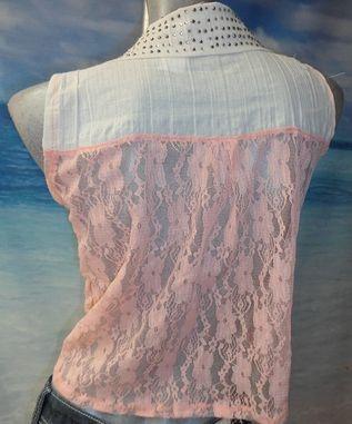 Blusa de Encaje en Tonos Pastel, excelente opción para seducir a ese chico que te vuelve loca.