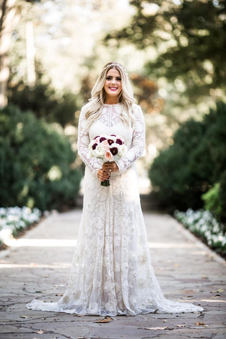 Amazing Vintage style wedding dress s inspiration lace overlay high necked with