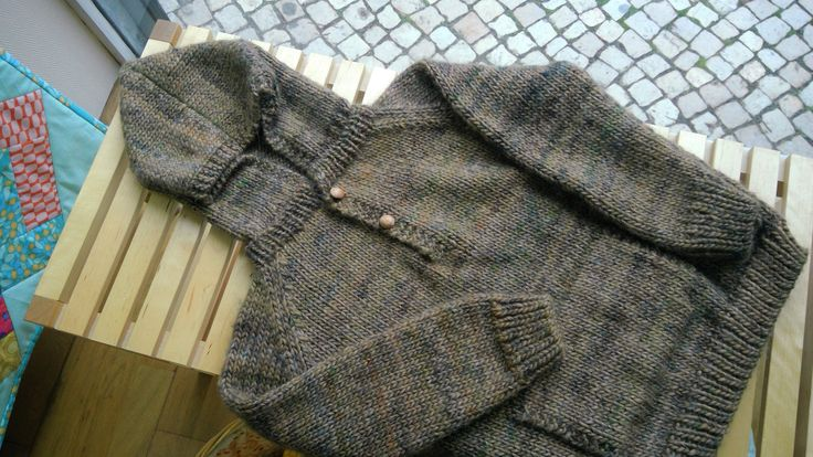 Boy's sweater. A warm and cosy sweater for this winter. #sweater #wool #knit #boy