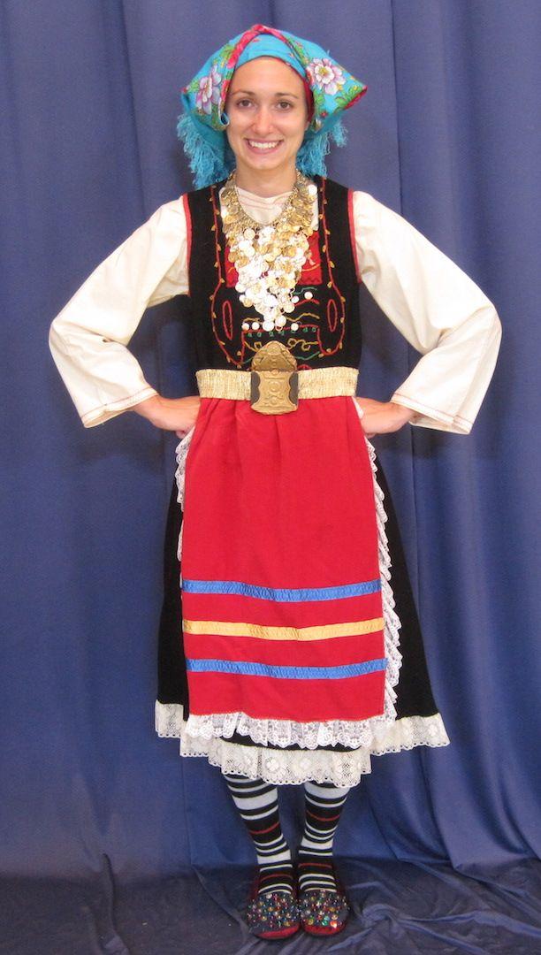 Η παραδοσιακή γυναικεία ενδυμασία των Μεταξάδων - The traditional women's Greek folk costume of Metaxades, Thrace.
