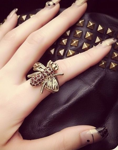 Chocolate Diamond Bee Ring
