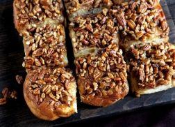 Caramel-Pecan Cinnamon Rolls Recipe