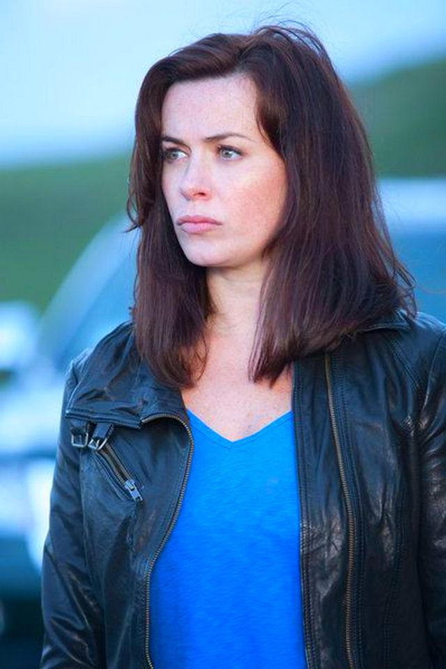 17 Best Images About Eve Myles On Pinterest Her Hair