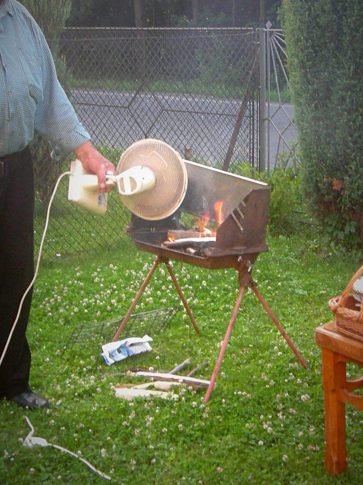 Easy way to start a barbecue, Tuchow, Poland #funny / Moyen facile de démarrer un barbecue, Tuchow, Pologne #drôle