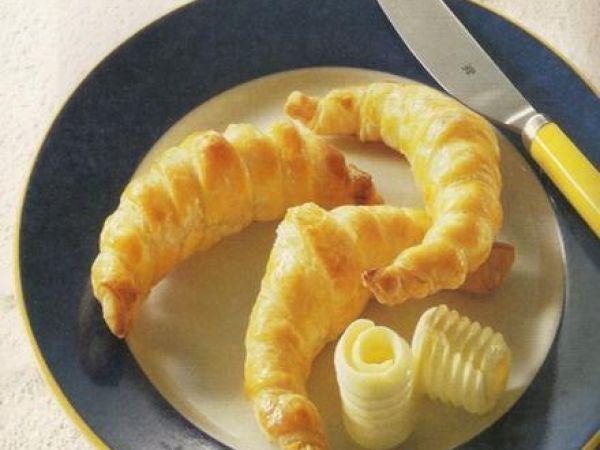 Cornuri delicioase cu unt, Rețetă de MariusB. - Petitchef